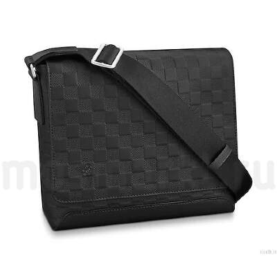 LOUIS VUITTON DISTRICT PM Damier Infini
